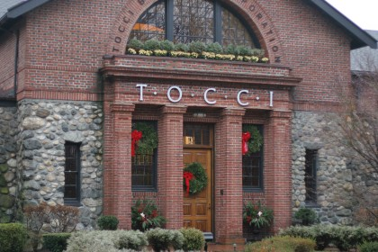 The Scoop: Tocci Decks the Halls